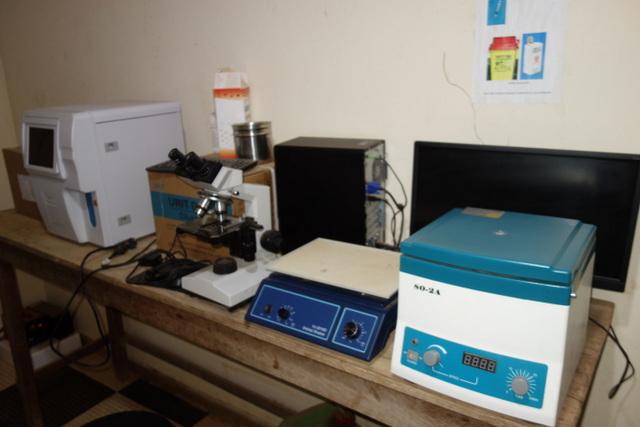BOAHIA - Remise d'équipement biomédicaux