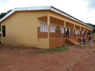 DINGBI-SP-Tabagne-Rehabilitation-de-3-salles-de-classe-Bureau.jpg