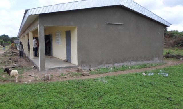 KOUADIOBANGO (SP Diamba) - 3 salles de classe + Bureau